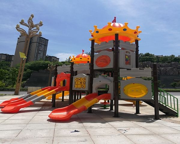 金辉广场中型组合滑梯