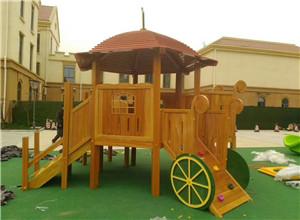 木制游乐设施